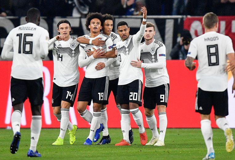 Nico Schulz, Leroy Sane, Thilo Kehrer, Serge Gnabry en Timo Werner vieren een treffer tegen de Nederlanders.