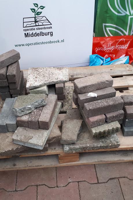 Omruilactie 'Tegel eruit, plant erin' slaat in Middelburg niet aan