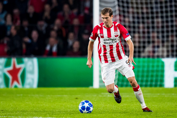 Daniel Schwaab in actie in de Champions League.