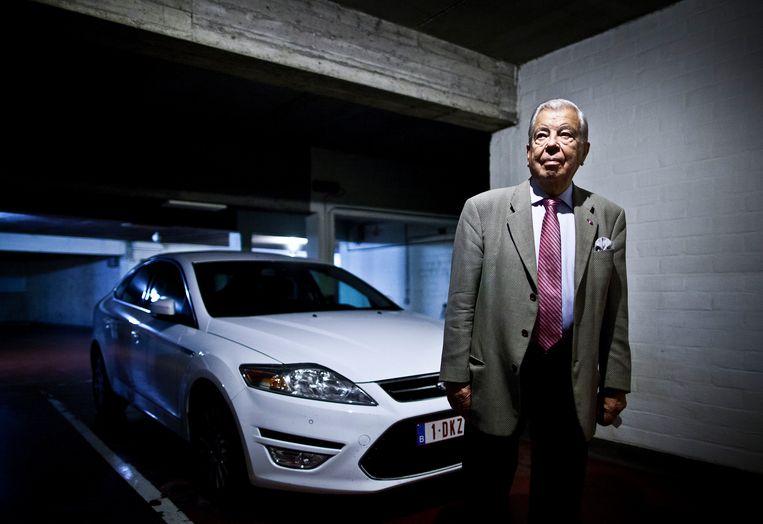 Rugpatiënt Marcel bezat een Jaguar. Maar hij zakte nog het liefste neer in de Mondeo van zijn vrouw. Hypercomfortabel, geen pijntje te voelen. Koning auto in koning auto.