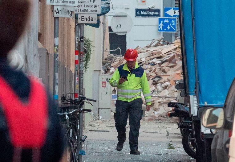 Puin nadat een appartementsgebouw in het centrum van Wenen gisteren plots instortte.