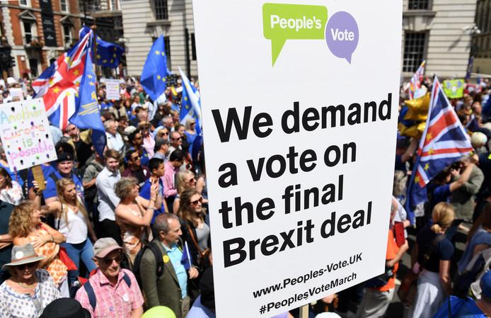 Afbeeldingsresultaat voor britten protesteren tegen brexit