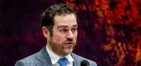 LIVE | Oppositie valt Dijkhoff aan op bezuiniging onderwijs