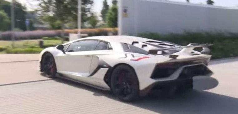 Eden Hazards nieuwste aanwinst: de Lamborghini Aventador SJ.