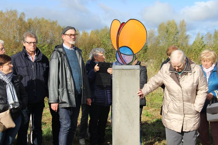 Kunstenaar Jan Leenknegt maakte een monument voor het herinneringsbos.