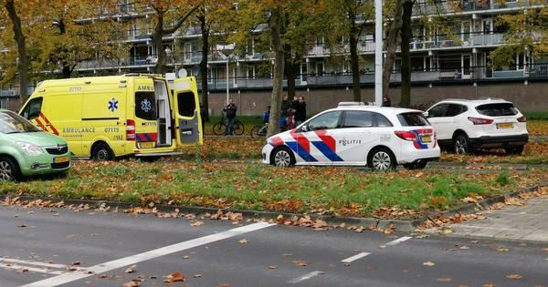 Zwaargewonde bij ongeluk in Eindhoven, slachtoffer met spoed naar ziekenhuis.