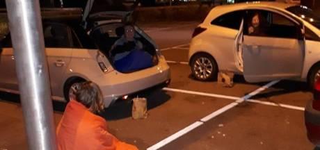 Vrouwen hebben kofferbakdate in Ochten: 'Verzin het maar in deze tijd'