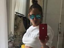 Jennifer Lopez reageert op kritiek sexy buikspierenselfie