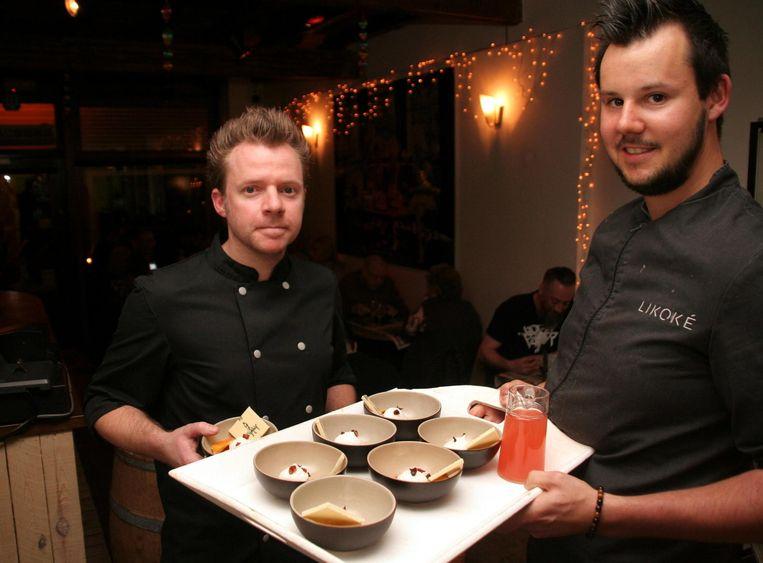 Bram Hullebroeck en chef Anthony Stoop in 'Met Tijd en Boterhammen'.