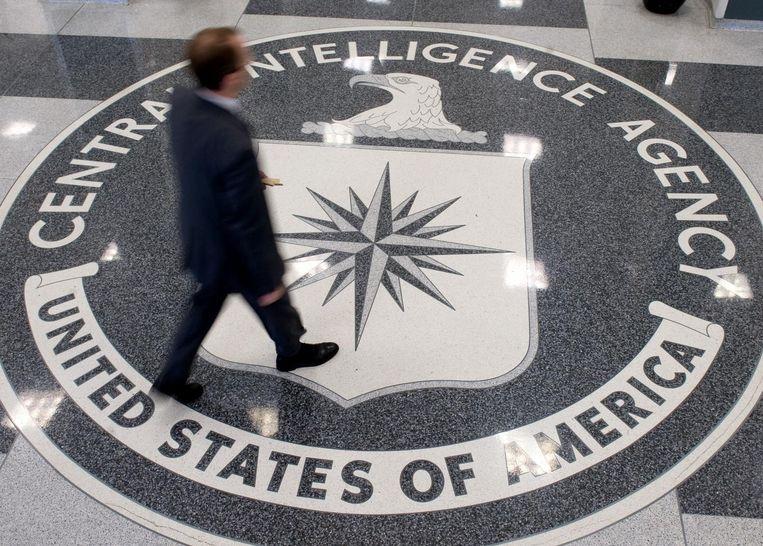 De lobby van het hoofdkwartier van de CIA in Langley, Virginia. De drie medewerkers die de spionagedienst de rug hebben toegekeerd, staan nu voor de rest van hun leven te boek als landverraders. Beeld AFP