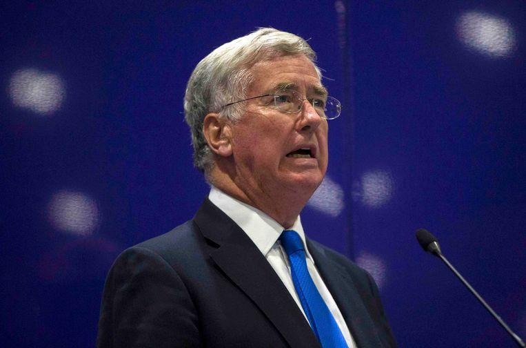 """De Britse minister van Defensie Michael Fallon: """"We moeten het niet aan de Franse, Australische of Amerikaanse luchtmacht overlaten om onze straten veilig te houden""""."""