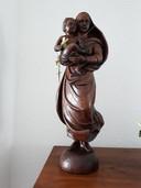 Dit Mariabeeld, uit een stuk hout gesneden, is het pronkstuk van het museum. Foto Janneke Hobo