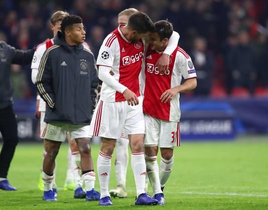 Teleurstelling bij Ajax na het mislopen van de groepswinst.