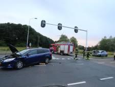 Verkeerschaos door ongeluk bij Den Bosch, kindje (1) voor controle naar ziekenhuis