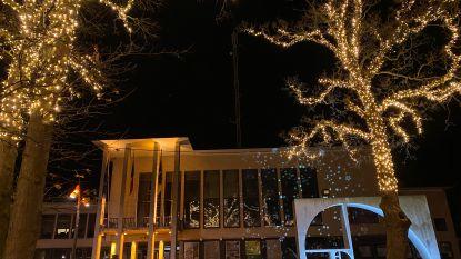 IN BEELD – De Panne steekt nieuwe kerstverlichting aan