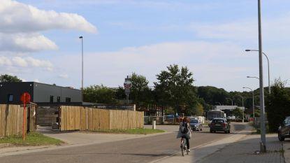 Drie windturbines in Gaston Geenslaan?