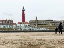 Rijkswaterstaat ontkent rommelen met gordijn vuurtoren, Scheveningers bewaken traditie