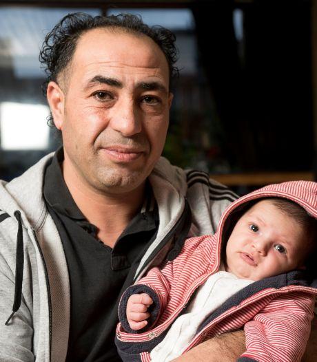 Kamerleden ontzet: Mahmoud (42) krijgt geen huurtoeslag meer omdat zijn baby'tje volgens Belastingdienst illegaal is