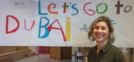 Juf Daisy van Helmondse school gaat genieten in Dubai: 'Het is al goed, het is nu al een feestje'