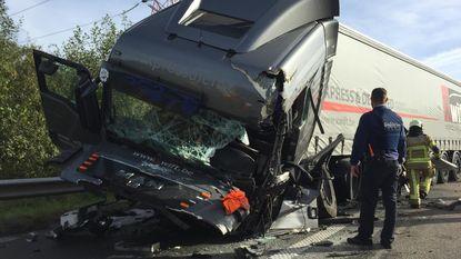 Vrachtwagens botsen op E313: twaalf kilometer file richting Antwerpen