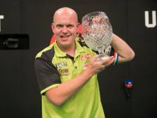 Van Gerwen rekent in vreemde finale in Dublin af met Wright