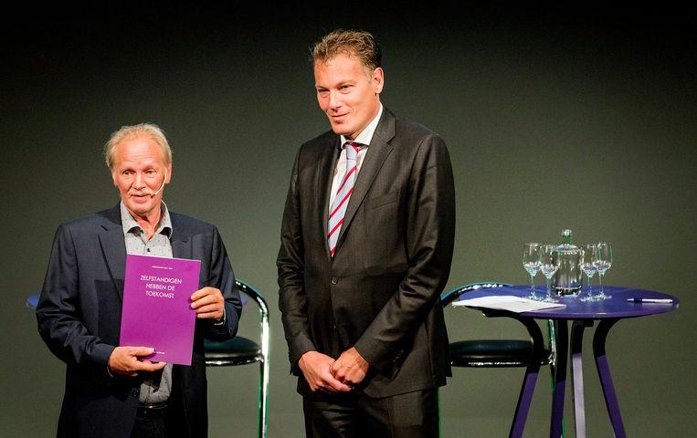Pieter Hasekamp (rechts) is de nieuwe directeur van het CPB.  Beeld ANP