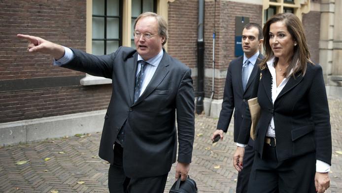 VVD-kamerlid Hans van Baalen (links) en de Griekse liberale oppositieleider Dora Bakoyannis, na een gesprek met premier Mark Rutte in oktober. © ANP