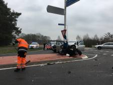 Zoveelste aanrijding op berucht kruispunt in Almen: twee gewonden