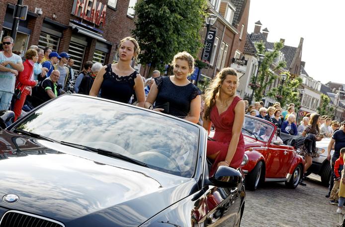 Geslaagde leerlingen van het Elde College in Schijndel maakten goede sier tijdens het Elde Gala van afgelopen donderdag. De examenkandidaten hadden een slagingspercentage van 90 of hoger.