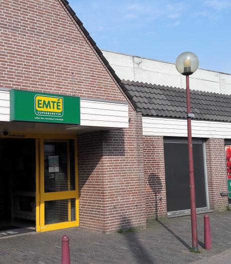 Twee Jumbo's in centrum Kaatsheuvel na ombouw Emté in juni