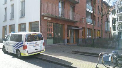 Pasgeboren jongetje gevonden in papieren zak in inkomhal van Antwerps appartementsgebouw