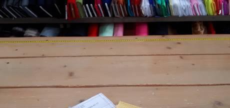Kamper stoffenwinkeltje zoekt vrijwilligers die mondkapjes kunnen naaien