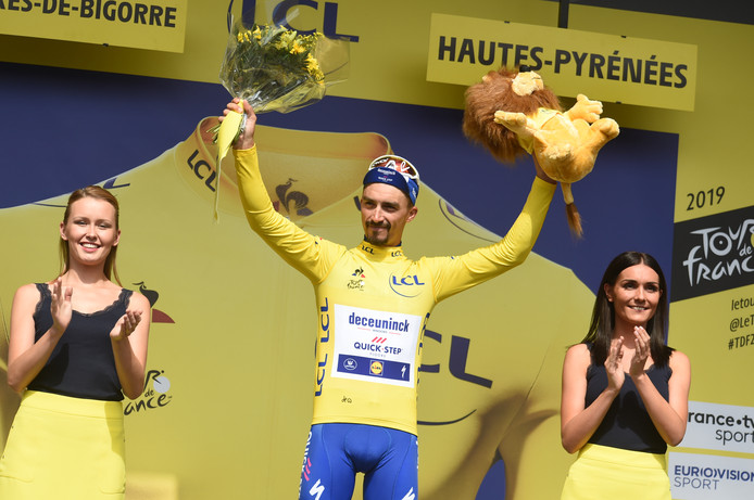 Julian Alaphilippe rijdt morgen opnieuw in de gele trui.