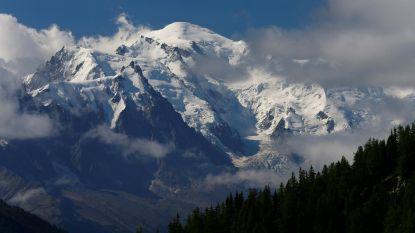 """Alpinisten landen met vliegtuig op minder dan 400 meter van top Mont Blanc: """"Dit is een provocatie"""""""