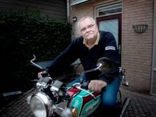 Motorfiets Suzie is de beste aankoop van Tiny (72): 'Ik hoef nooit meer iets anders'