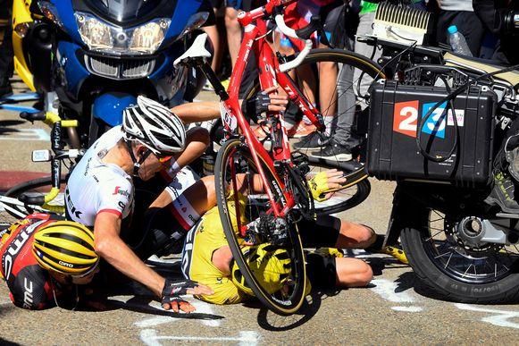 Richie Porte, Bauke Mollema en Chris Froome kwamen op de Mont-Ventoux ten val.