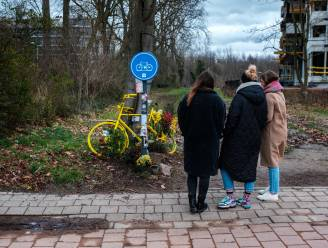 """Vriendin herdenkt overleden Michiel Claus (34): """"Gij en ik waren zo goed samen. Nu voelt het aan als een hoorntje zonder een bolleke ijs"""""""