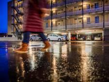 Overlast in Apeldoornse parkeergarage loopt de spuigaten uit: 'Ze laten een klerezooi achter'