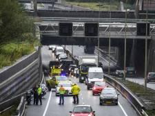 Verkeer ontregeld door ongeval N11 richting Bodegraven: file en één rijstrook dicht