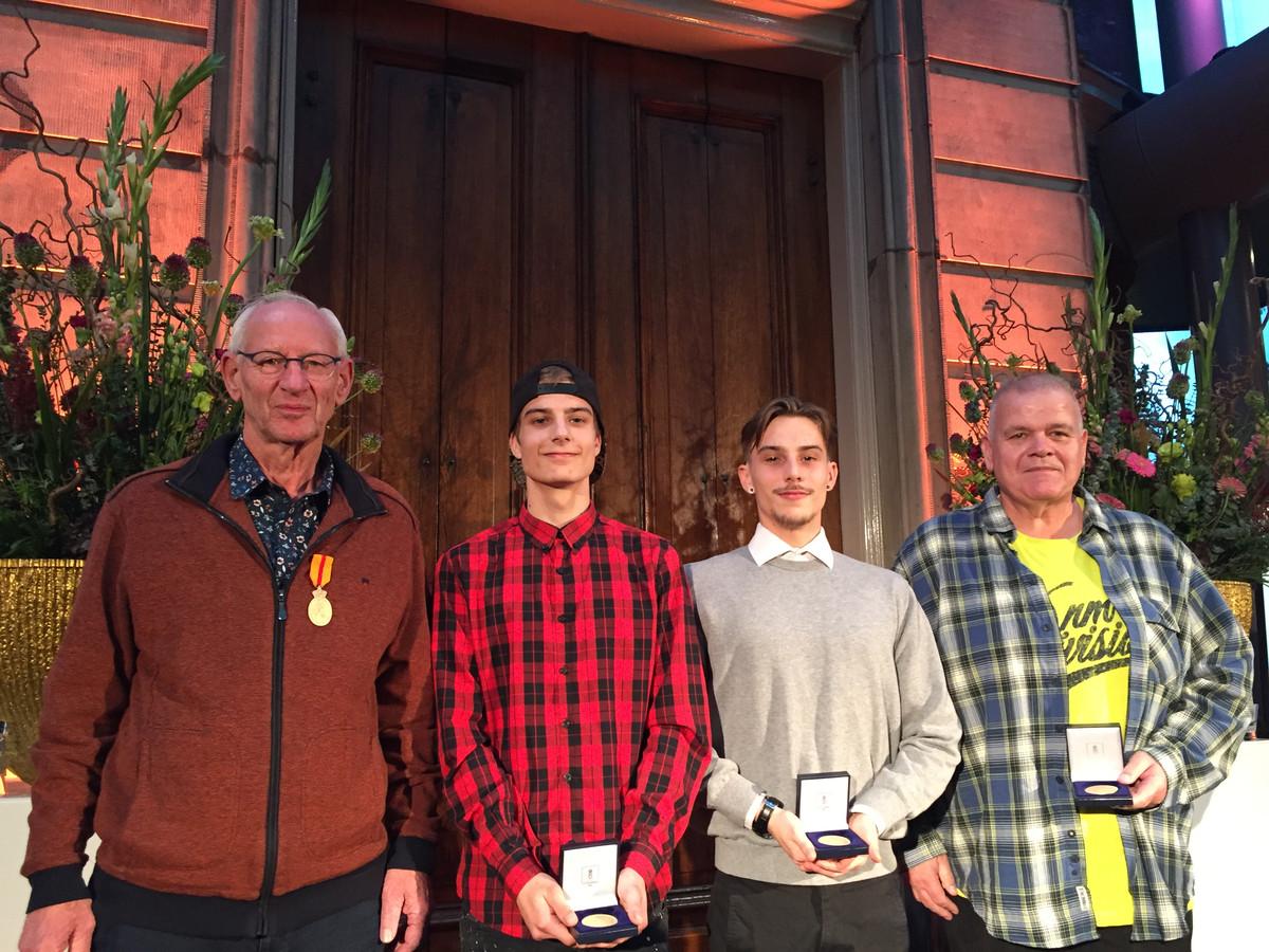 Joop Weeren uit Ooij (links) met de broers Bjorn en Yannick van der Putten uit Ooij en Marcel Eijkhout uit Nijmegen.