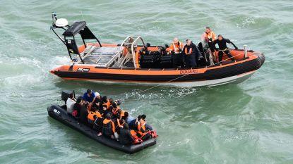 17 migranten onderschept op weg naar Groot-Brittannië, onder wie vijf kinderen en een baby