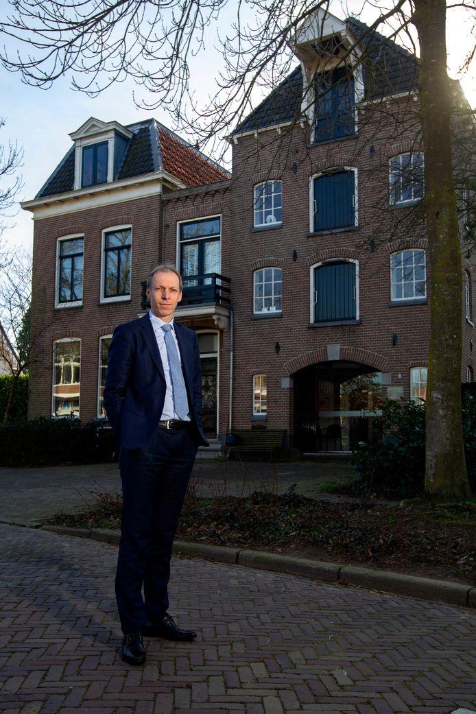 De Deventer advocaat Anno Huisman ziet de plotselinge verhoging van de vergoedingen voor jeugdrechtadvocaten als zwichten voor publicitaite druk door minister Dekker.