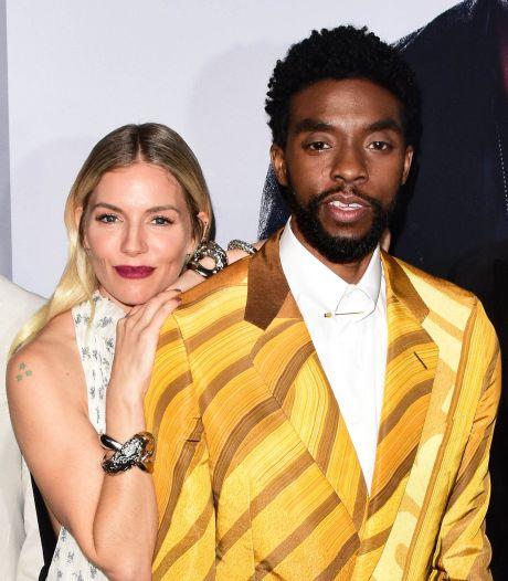 Chadwick Boseman avait réduit son salaire afin d'augmenter celui de Sienna Miller