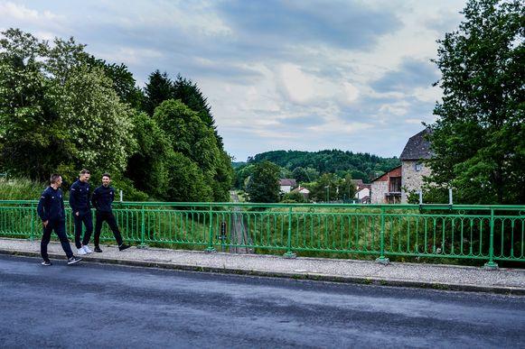 Op dag één van de Dauphiné maken Philippe Gilbert, Zdeněk Štybar en Julian Alaphilippe een tochtje door de Franse natuur.