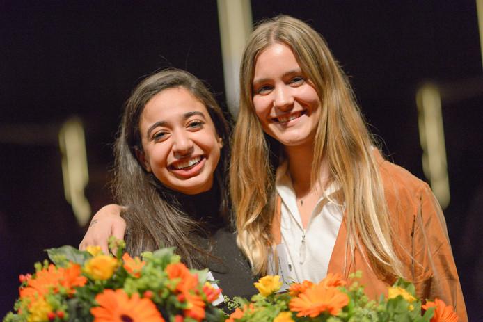 Hajar (links) en Eefke zijn nieuwe jongerenvertegenwoordigers van Nederland bij de VN.
