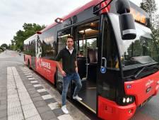 Raadslid voert actie tegen overvolle bussen naar Almelo