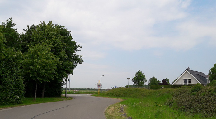 De nieuwe coalitie van SGP, Leefbaar Reimerswaal en PvdA wil randweg Schuitweg in Yerseke dootrekken naar de Postweg.