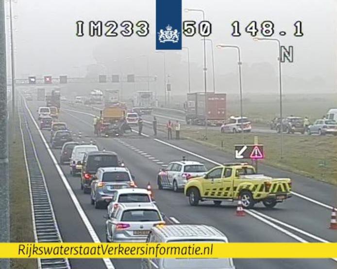 Het ongeluk op de A50 bij Ewijk.