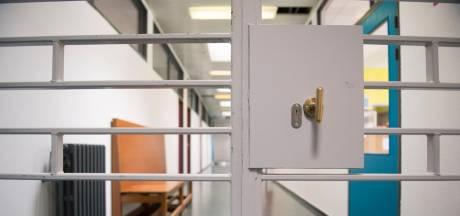 """Des prisons belges en lockdown, mais des permissions et des transferts accordés: """"Des cocottes-minute"""""""