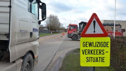 """Agentschap Wegen en Verkeer duidelijk over extra op- en afrit voor industrie aan E17: """"Geen optie"""""""